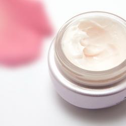Réajustez la protection (crème de soin, lait coiffant)
